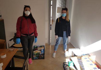 """Due volontarie del Servizio civile presso il Circolo Acli """"Città del Vento"""" collaborano con la Croce Verde Catanzaro nell'emergenza covid-19"""